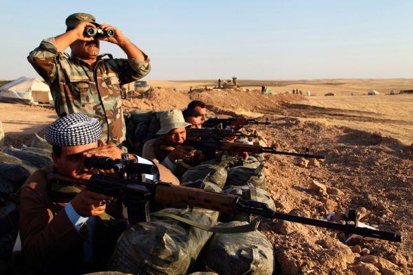 Курдские военизированные формирования «Пешмерга» при поддержке иракских военных и ВВС США продолжают сражения с бойцами ИГИЛ и сегодня.