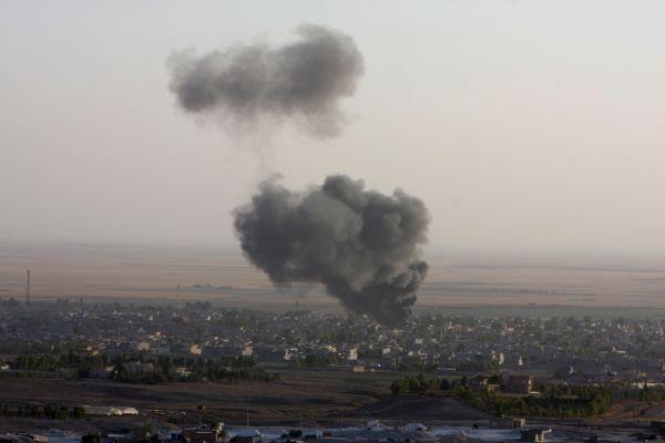 По некоторым данным, американские ВВС нанесли более 70 ударов по позициям террористов.