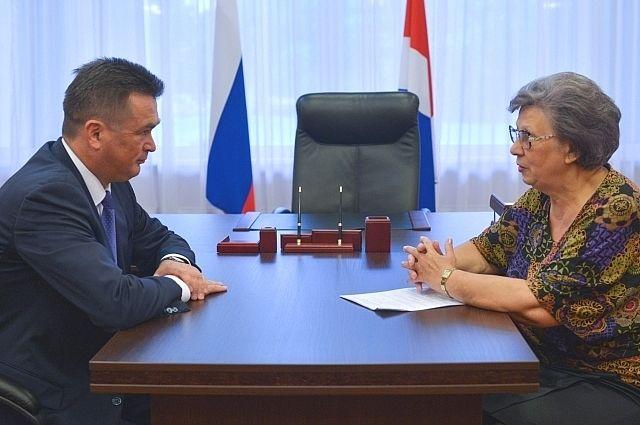 Владимир Миклушевский на встрече с депутатом Государственной Думы Светланой Горячевой.