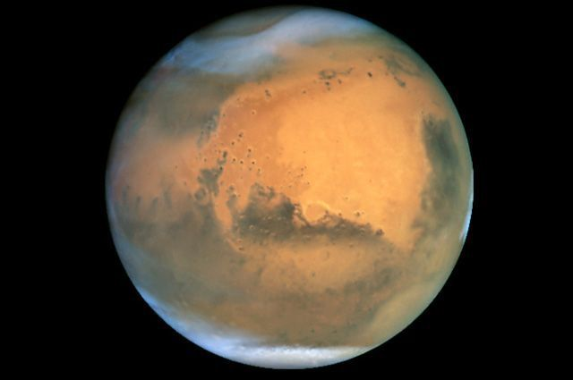 Противостояние Земли и Марса наблюдается раз в 2 земных года.