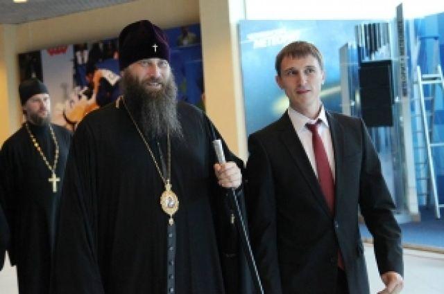 Митрополит Никодим посетил Ледовую арену накануне чемпионата мира по дзюдо