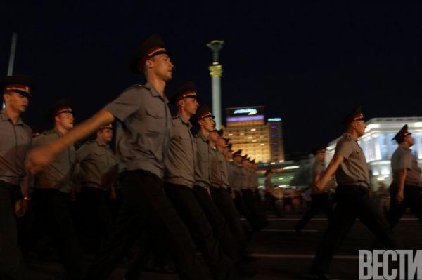 По центру Киева проехали «Грады» и БТРы