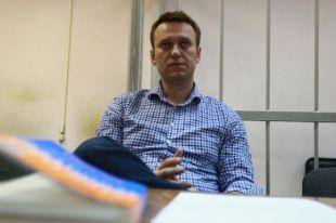 Навальному разрешили общаться с соответчиками по делу «Ив Роше»