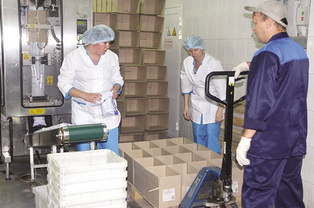 Сегодня на крупнейшем молокоперерабатывающем в регионе предприятии перерабатывают около 200 тонн молока.