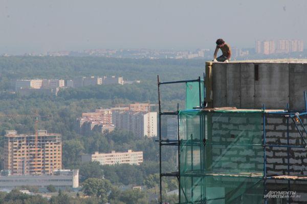 Строительство домов в жилом комплексе продолжается
