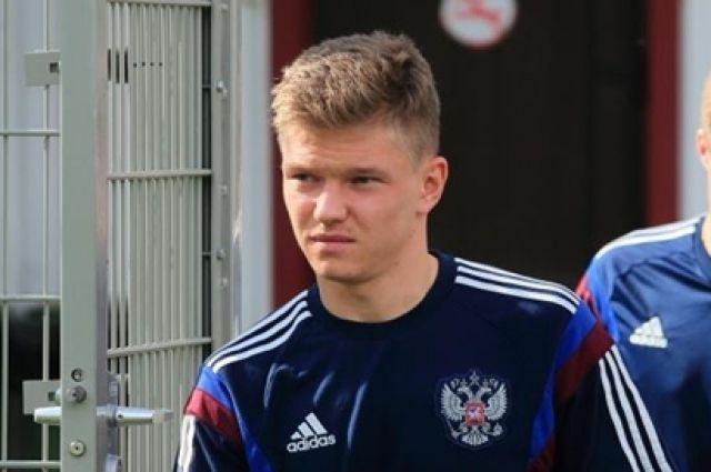 В семье уральского футболиста Олега Шатова ожидается пополнение