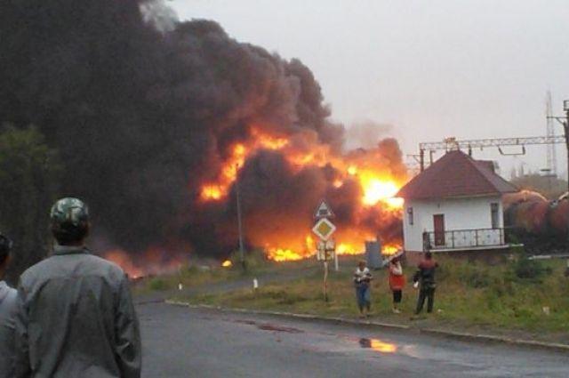 Пожар от взрыва вагона