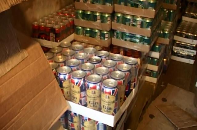 Алкогольные напитки на складе.