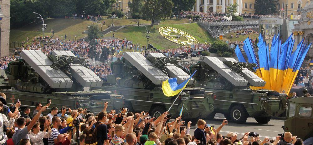 Военный парад ко Дню Независимости Украины в Киеве