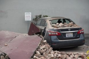 Число пострадавших от землетрясения в Калифорнии достигло 120 человек