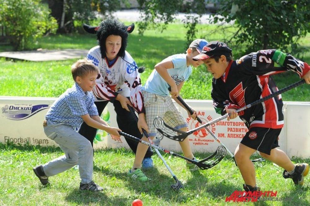 Пикник с хоккейным клубом «Авангард».