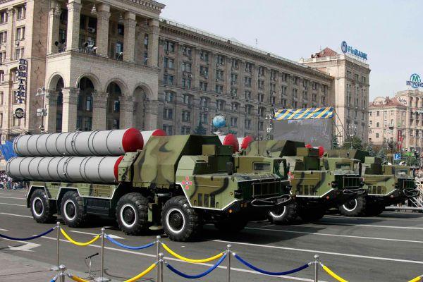 24 августа на Украине отметили День независимости. В Киеве и Одессе по случаю праздника прошли парады, на которых демонстрировалась военная техника.