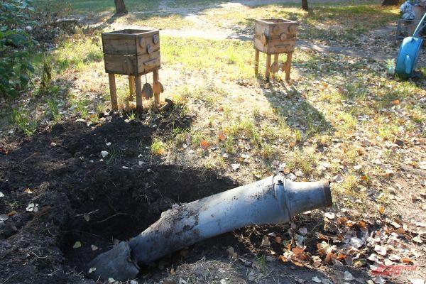 В Молодогвардейске один из снарядов упал на детскую площадку.