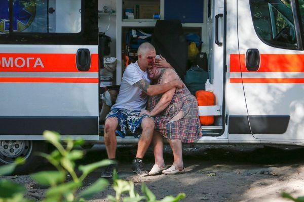 Один из снарядов угодил в жилой дом, где находилась семья из четырёх человек. От полученных ранений мать, отец и старший сын скончались. Выжила только 6-летняя дочка.