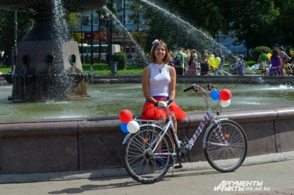 Свой путь девушки начали от сквера Кирова.