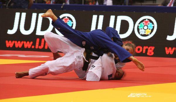 Российская и японская спортсменки