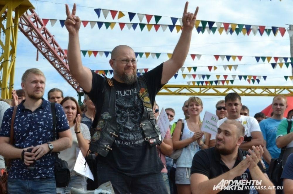 Лучшую из лучших предстояло выбрать компетентному жюри, которое возглавил байкер Игорь Шемчук (Шем).