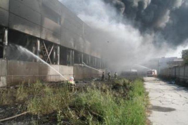 Пожар на складе.