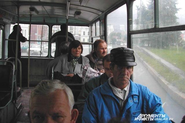 Евгений Липович озвучил три варианта новых тарифов на проезд в транспорте
