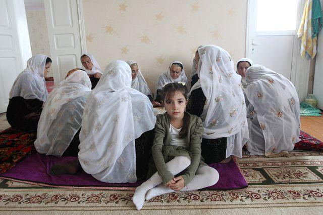 Похтшени девушки молодие чечня видио фото 132-608