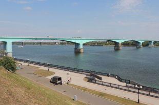 Октябрьский мост - визитная карточка Ярославля.
