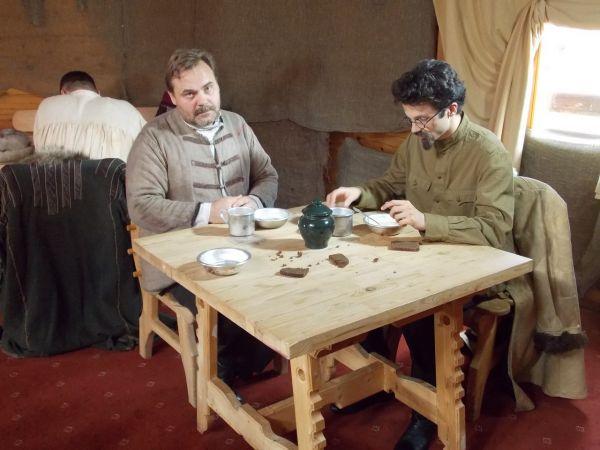 Главную роль сыграл актер ГИТИСа Егор Морозов. Тоже кстати бывший хантымансиец.