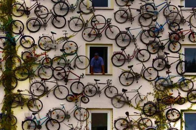 В Свердловском театре драмы билеты меняют на велосипеды