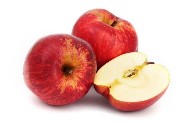 Цены в том числе на яблоки контролируют омские антимонопольщики.