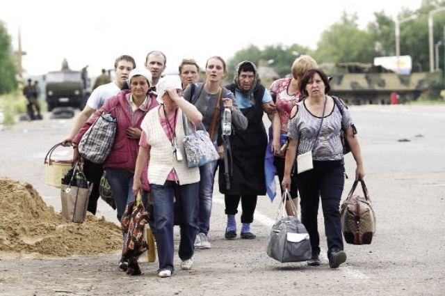 Люди, доведенные до отчаяния, оставили свои дома, чтобы спасти жизнь.