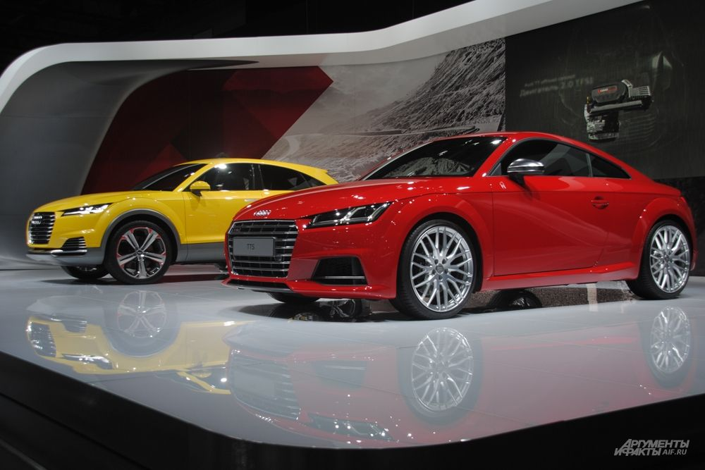 Купе TT третьего поколения на столичном автошоу отметилось в статусе российской премьеры.