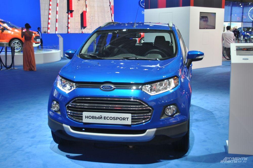 Продажи Ford EcoSport стартуют уже в самое ближайшее время, и уже объявлена цена — от 699 тысяч рублей. Этот кроссовер прямой конкурент таким машинам, как Nissan Juke и Opel Mokka.