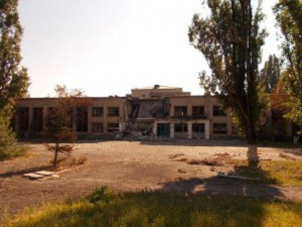Разрушения в Луганской области