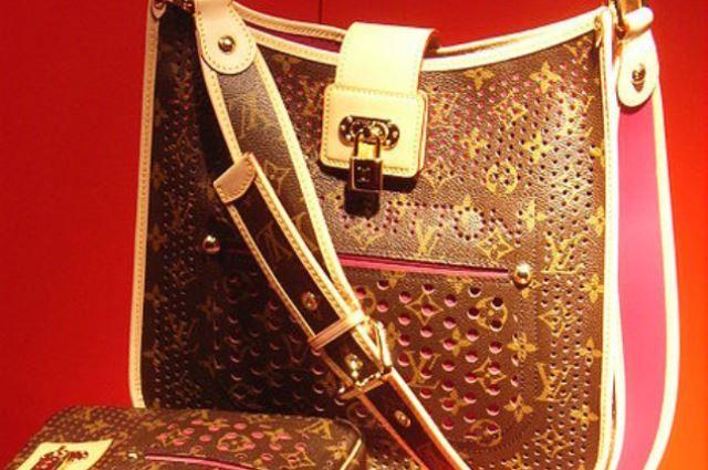 Настоящий образец Louis Vuitton
