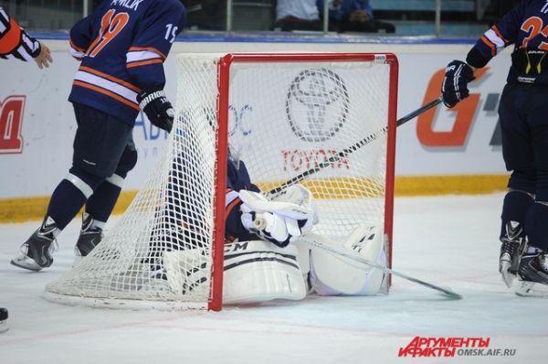 ХК «Авангард» одержал вторую победу в матчах мемориала В. Блинова.