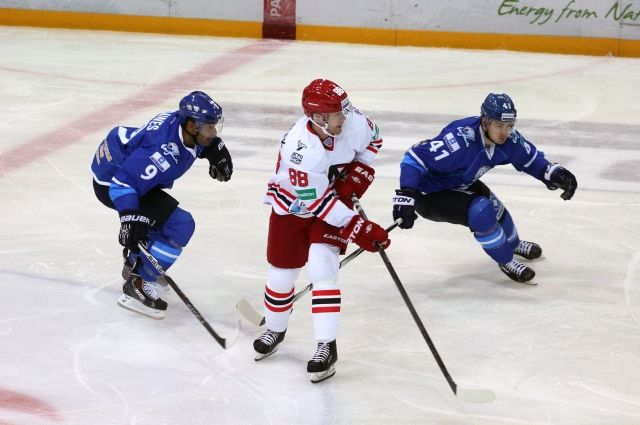 Хоккеисты «Автомобилиста» проиграли в финале турнира «Каменный цветок»