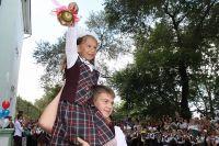 Традиция Первого звонка в школах свято чтится.