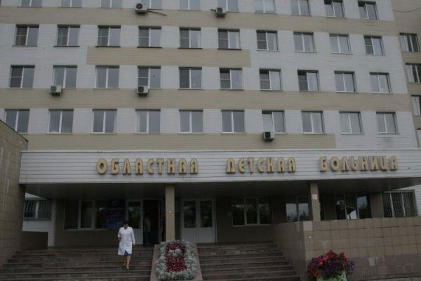 Почти 200 пациентов Тульской детской областной клинической больницы не смогли пойти на праздничные линейки 1 сентября в свои школы и встретили День знаний в палатах.