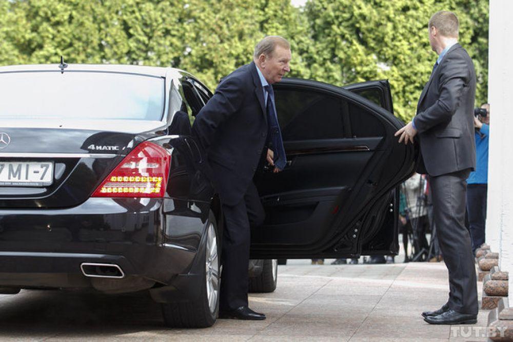 Второй президент Украины Леонид Кучма на переговорах в Минске