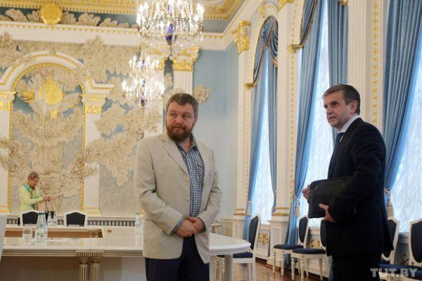 Посол РФ в Украине Михаил Зурабов и представитель ДНР Андрей Пургин