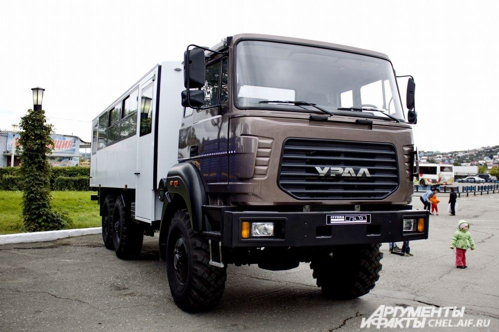 Вахтовый автобусы Урал, выпускаемый сегодня.
