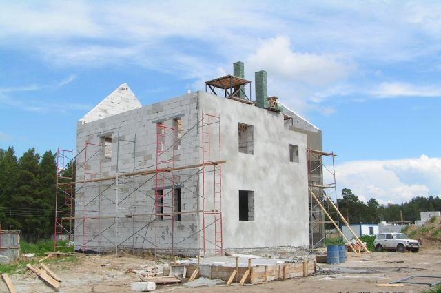 Дом из ячеистого газобетона СИБИТ - тёплый и экологичный, способен «дышать» и очень долговечен.