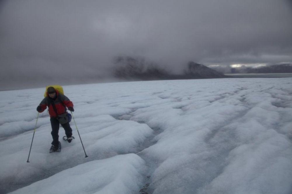 Ученым пришлось преодолеть три тысячи километров льдов и снегов.