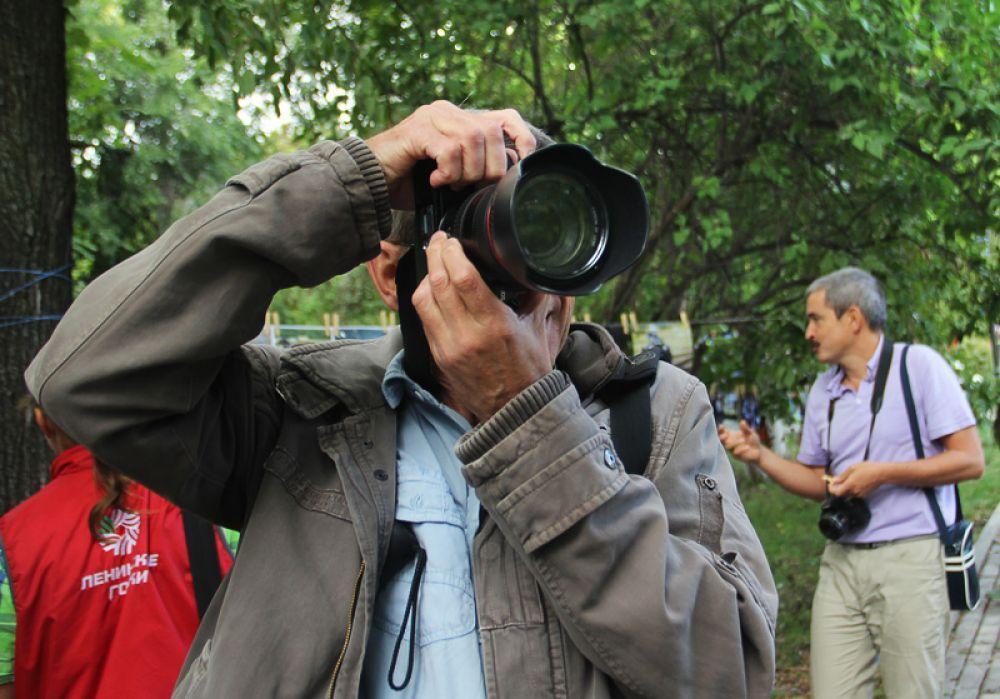 Фотографы пришли не только показать добычу, но и поохотиться