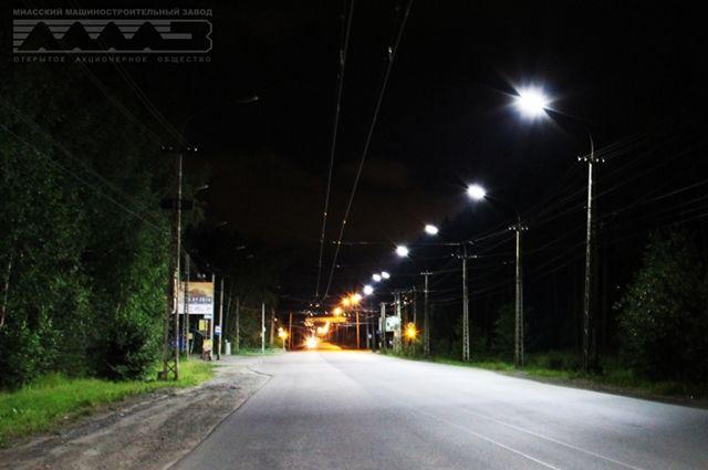 На Тбилисском бульваре в Екатеринбурге установили 46 фонарей