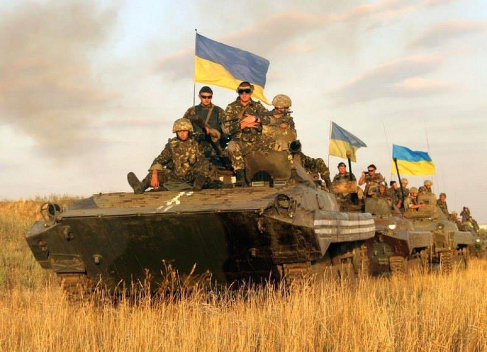 Батальон мехбригады 72 на бронетехнике отправился в зону АТО