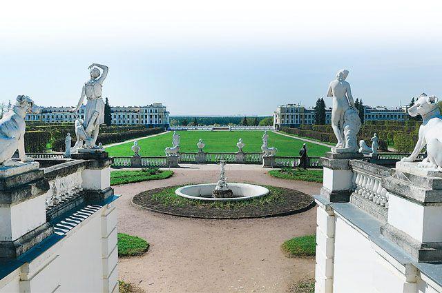 «Архангельское» и сейчас вызывает восторг, когда со ступеней дворца перед тобой открывается панорама сада.