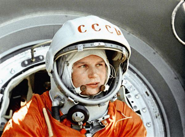 Эру женской космонавтики открыла Валентина Терешкова. 16 июня 1963 году она совершила свой первый полет в космос на корабле «Восток-6». Терешкова остается единственной женщиной-космонавтом, побывавшей в космосе без экипажа.