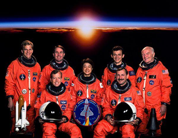 Японка Тиаки Мукаи стала первой женщиной-космонавтом в своей стране. В 1994 году на шаттле «Колумбия» она совершила полет в космос, второй полет – в 1998 году – прошел в составе экипажа «Дискавери».