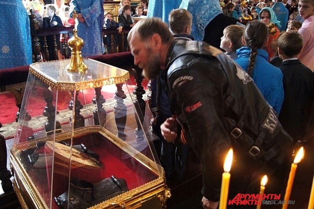 Байкеры поклонились смоленским святыням