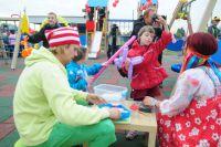 В Омске открыли детскую площадку для особых детей.